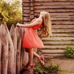 femme avec une robe magnifique